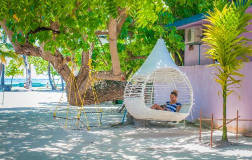 Jail Break Surf Inn, Himmafushi