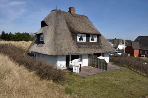 Rantum Dorf - Ferienappartments im Reetdachhaus 3 (B&B)