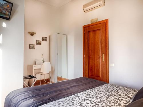 Sunny Guest House in Italy