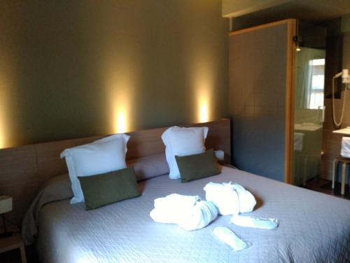 Double or Twin Room Hotel Spa Vilamont 10