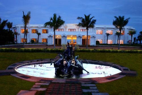 Отель Chariot Beach Resort