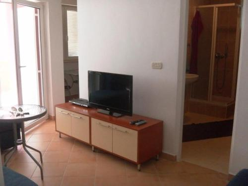 Mandre Apartment