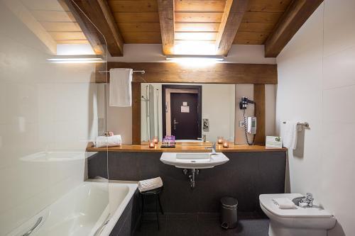 Habitación Doble - Ático - 1 o 2 camas   - Uso individual Hotel Dolarea 10