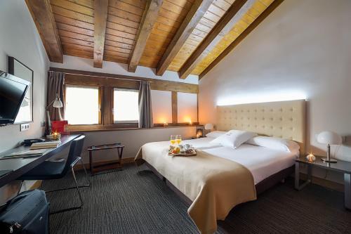 Habitación Doble - Ático - 1 o 2 camas   - Uso individual Hotel Dolarea 9