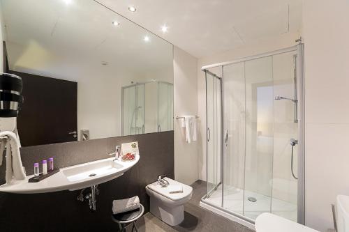 Habitación Doble Estándar - 1 o 2 camas - Uso individual Hotel Dolarea 1