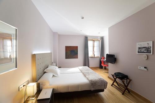 Habitación Doble Estándar - 1 o 2 camas - Uso individual Hotel Dolarea 5