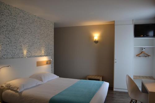 Отель Brit Hotel Les Alizes 3 звезды Франция