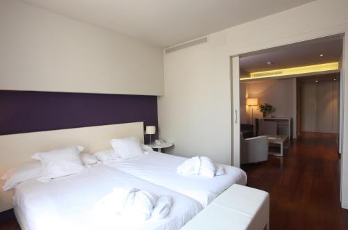 Habitación Familiar (2 adultos + 2 niños) Hotel Gran Claustre 4