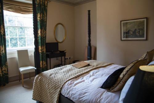 Double Room with Four Poster Bed - Main Building