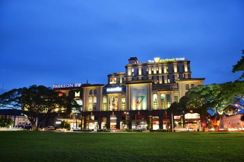 The Waterfront Hotel Kuching, Kuching