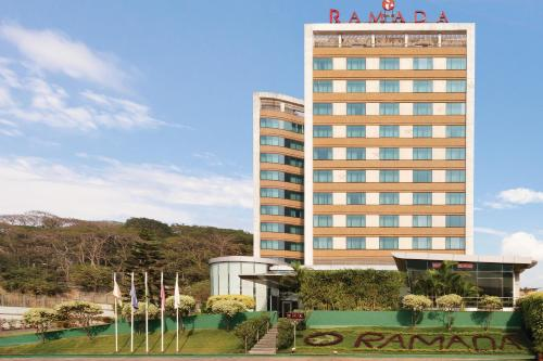 Отель Ramada Powai Hotel & Convention Centre 4 звезды Индия