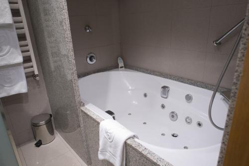 Business Room - single occupancy A Casa Canut Hotel Gastronòmic 5
