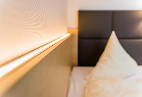 a hotel l cke rheine rheine n mecko online. Black Bedroom Furniture Sets. Home Design Ideas