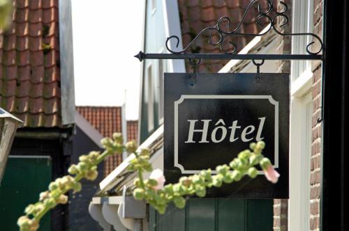 Отель Hof van Marken 3 звезды Нидерланды