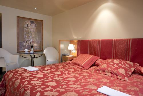 Junior Room - single occupancy A Casa Canut Hotel Gastronòmic 2