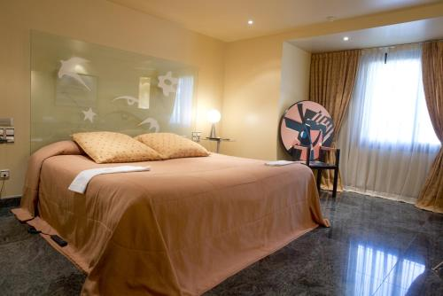 Junior Room - single occupancy A Casa Canut Hotel Gastronòmic 5