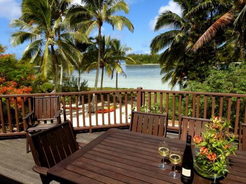 Bs beach house on muri lagoon