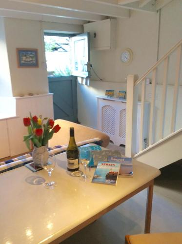 Orchard Cottage picture 1 of 50
