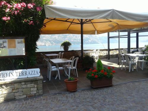 Beautiful La Terrazza Sul Lago Clusane Gallery - Home Design ...