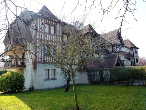 Farm Stay Deauville 4278