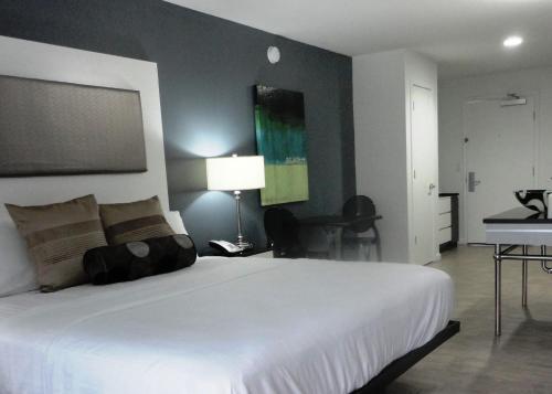 Restaurants Near Lotus Inn And Suites Daytona Beach