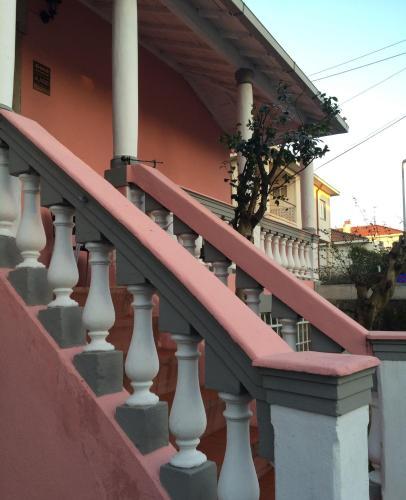 Travel & Visit Oporto Hostel