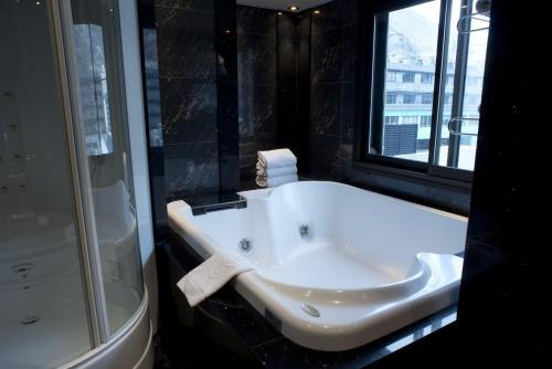 Top Class Room - single occupancy A Casa Canut Hotel Gastronòmic 9