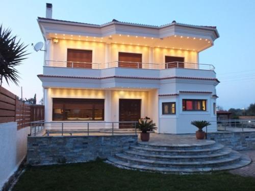 Villa Acharavi Villa