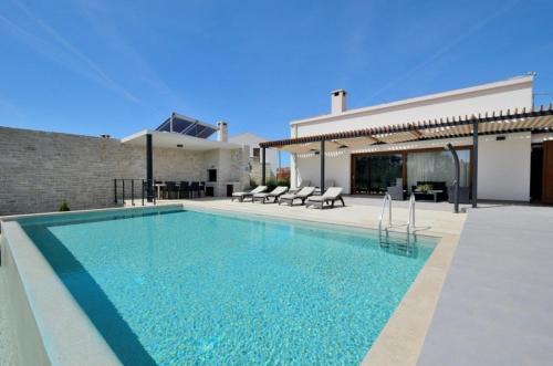 Villa Nera IH4005