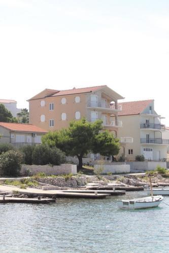 Apartments Ante 29018