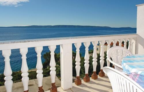 Apartment Okrug Gornji with Sea View 12