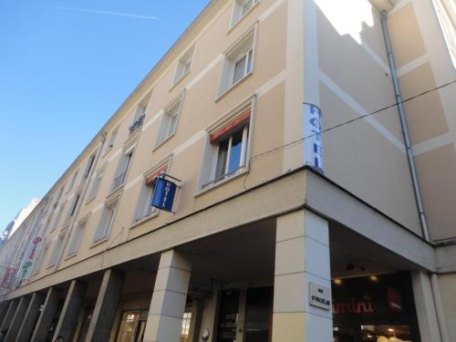 Picture of Hotel Les Arcades