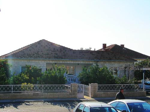 Studio Petra SA1