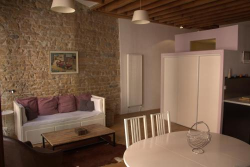 hotel la lanterne de lyon lyon desde 160 rumbo. Black Bedroom Furniture Sets. Home Design Ideas