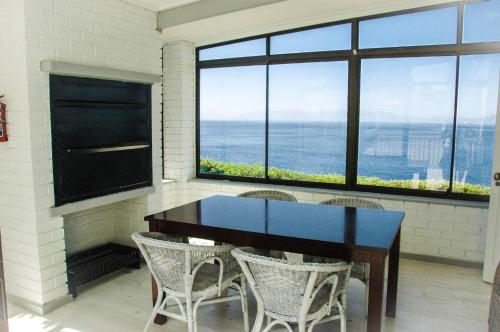Superior One-Bedroom Apartment with 180 degree Sea View