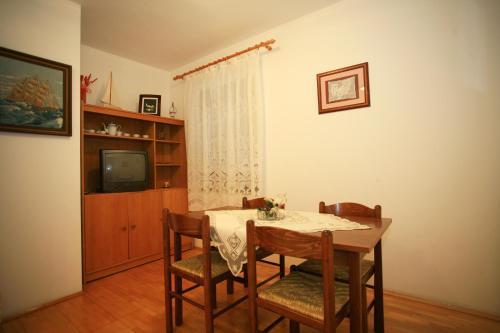 Apartment Karabaic A4