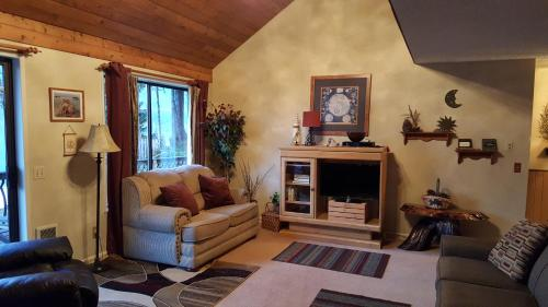 Lake Quinault Vacation Homes / Cottage Peaks