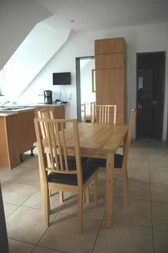 apartamentos g nstig wohnen in m nchen m nich desde 250. Black Bedroom Furniture Sets. Home Design Ideas