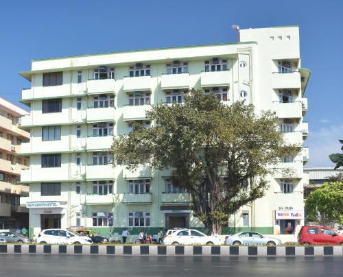 Sea Green South Hotel
