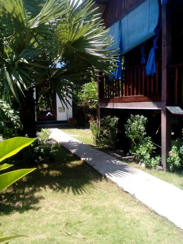 Lily Amed Beach Bungalows, Amed