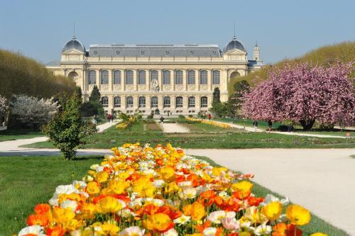 Apartment Jardin des Plantes garden