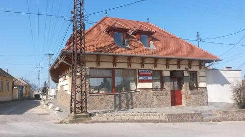 Отель Sasi Panzió 1 0 звёзд Венгрия