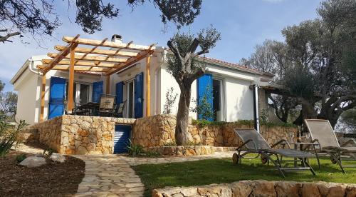 Beach house Adriana in Croatia on