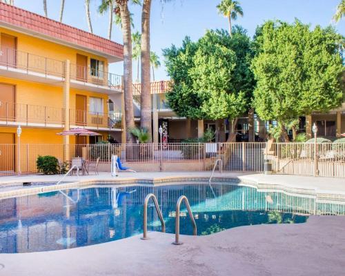 Plaza Suites Near Old Town Scottsdale AZ, 85281