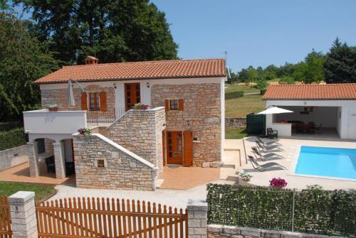 Holiday House Amalia 1058