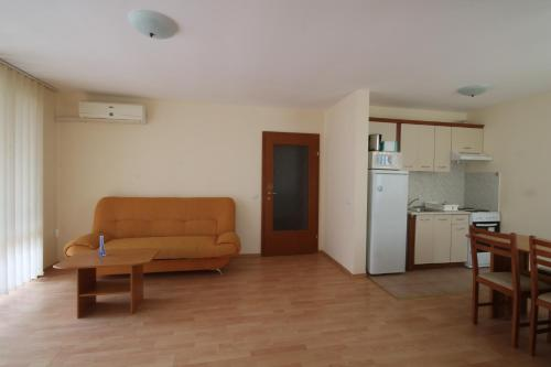 Apartmá s výhledem na moře (Apartment with Sea View)