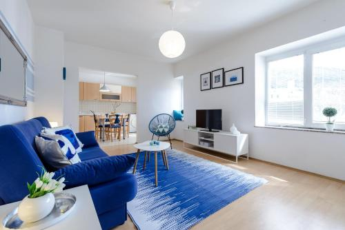 Apartment Rhapsody in Blue