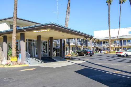 motel 6 san diego airport harbor. Black Bedroom Furniture Sets. Home Design Ideas