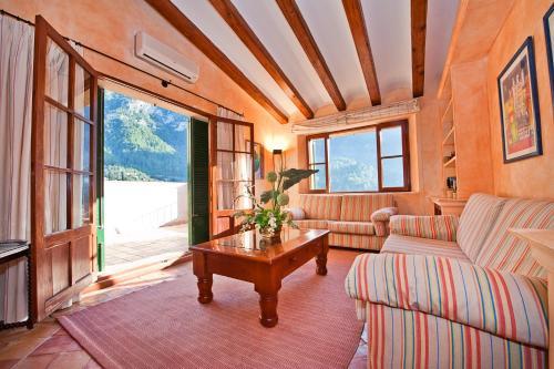 Suite Ático con vistas al mar Hotel Des Puig 5