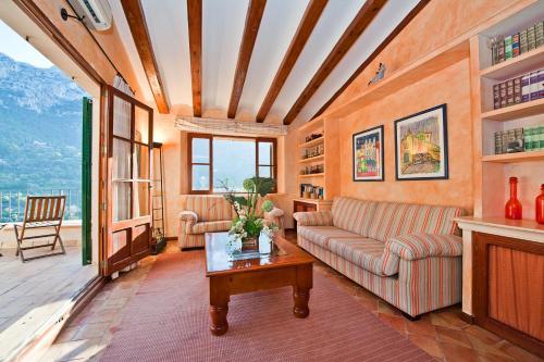 Attic Suite with Sea View Hotel Des Puig 6